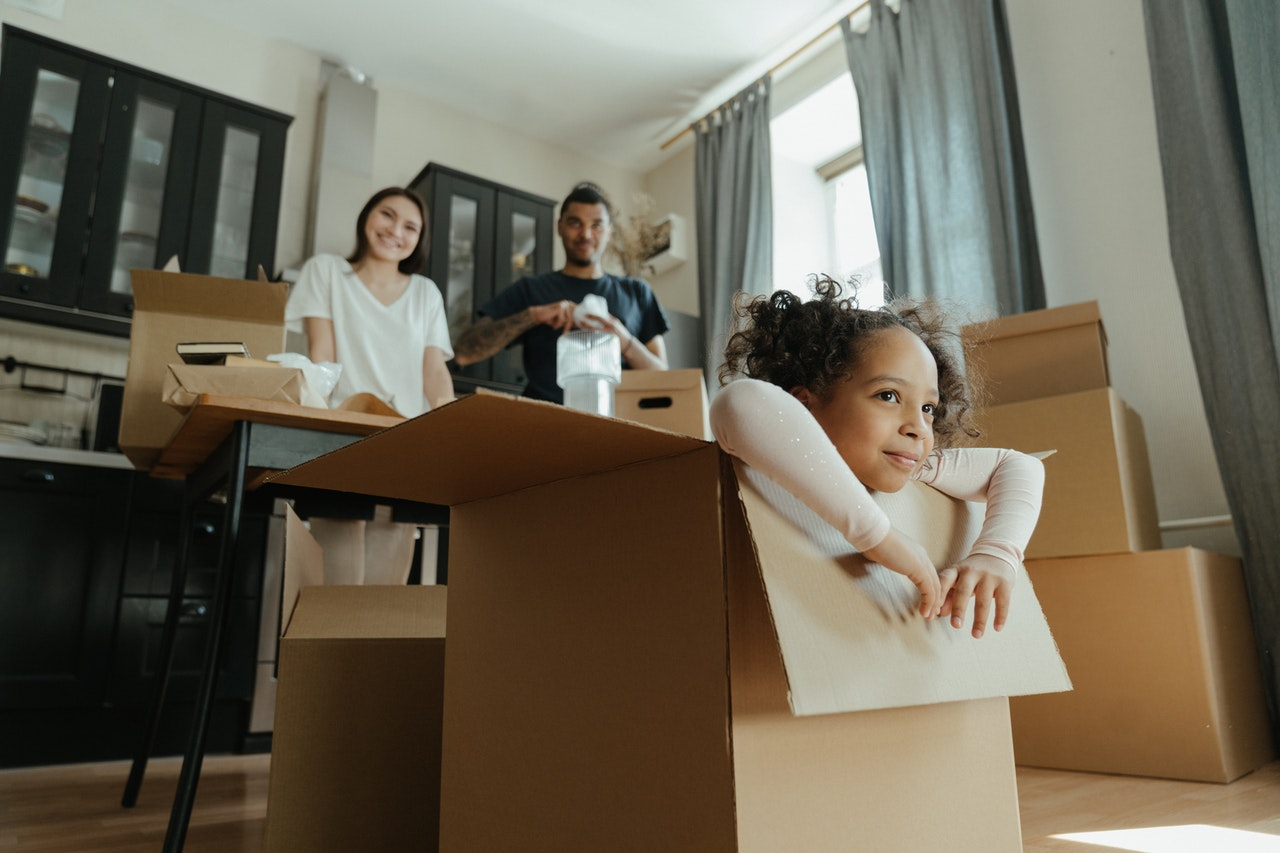 Parent preparing to move long distance with children