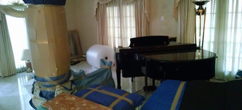 items and a piano that piano movers New Jersey will move