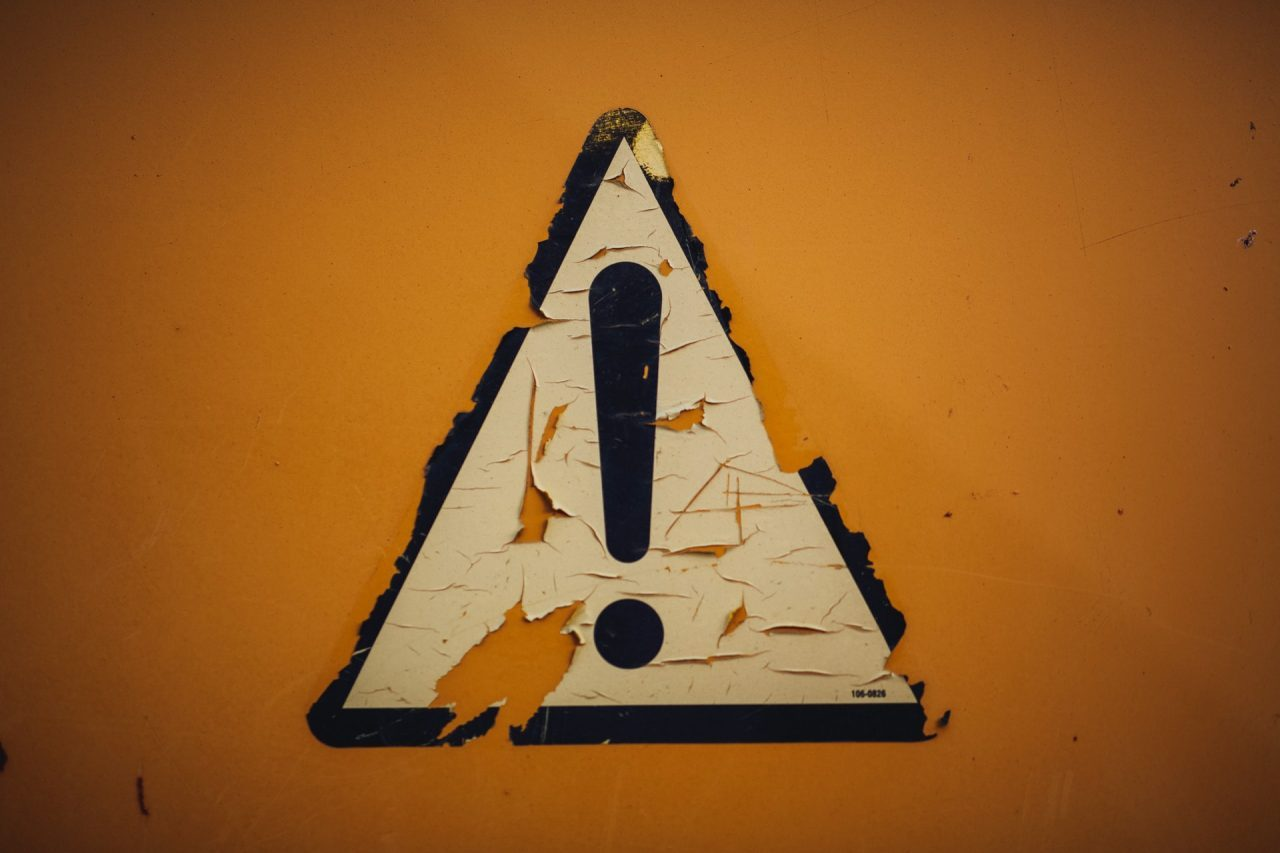 a warning sign for dealing with fraudulent moving companies
